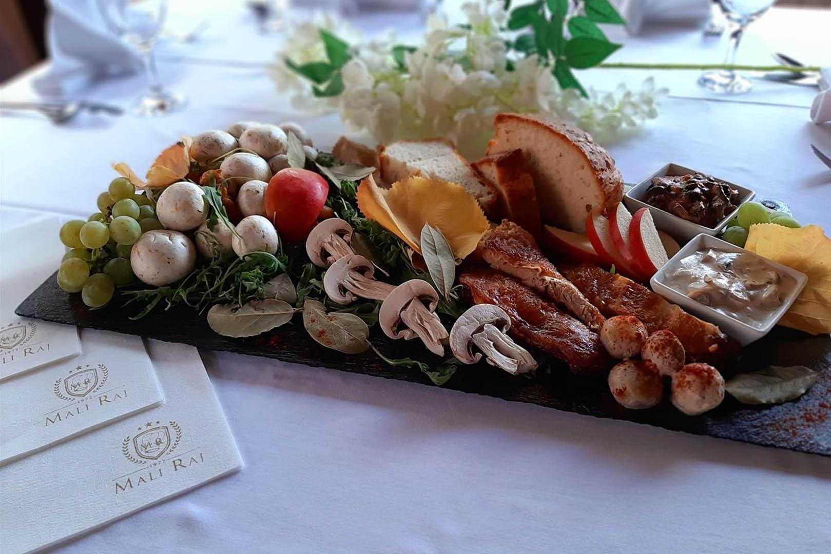 Mali raj - Restoran 10