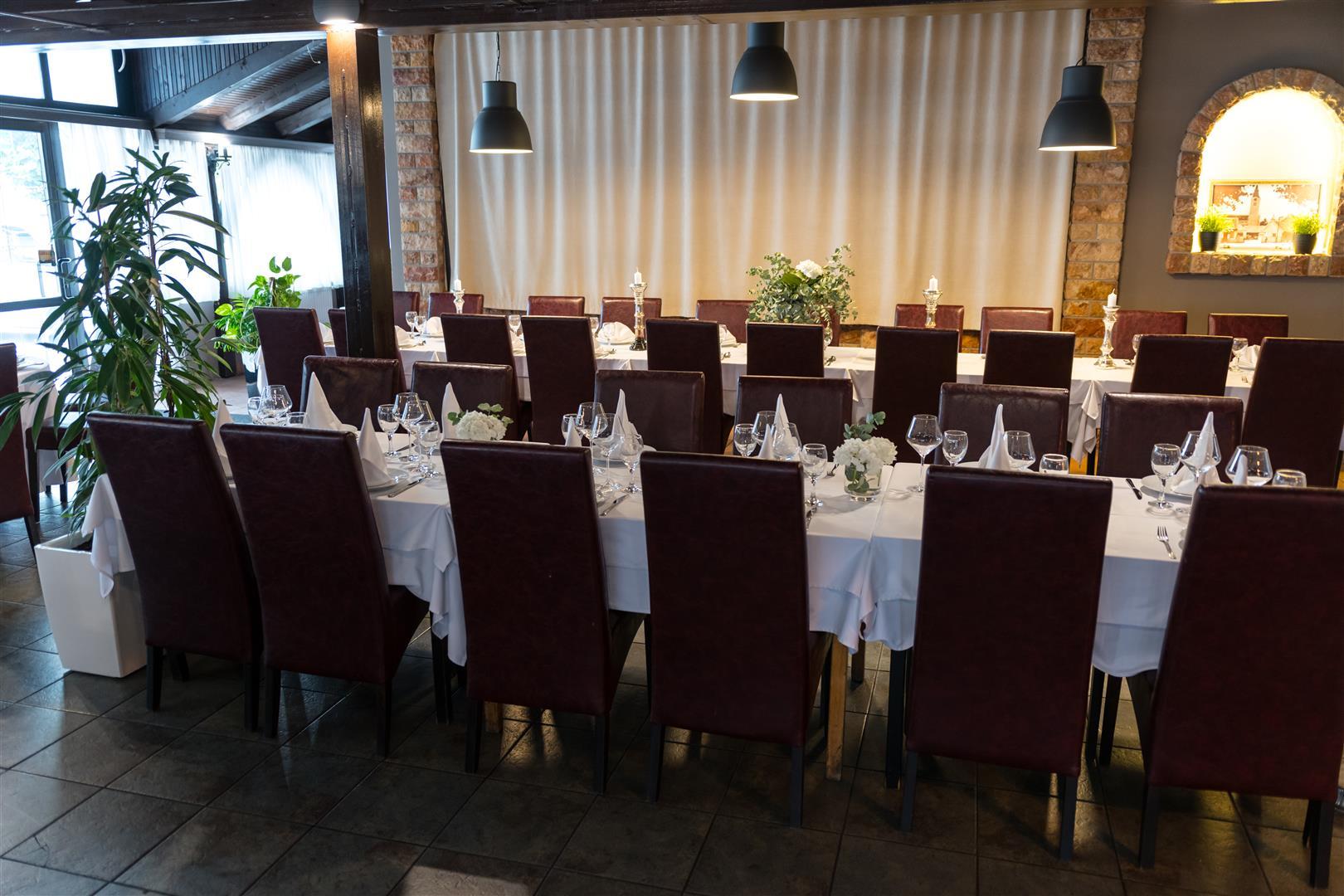 Mali raj - Restoran 17