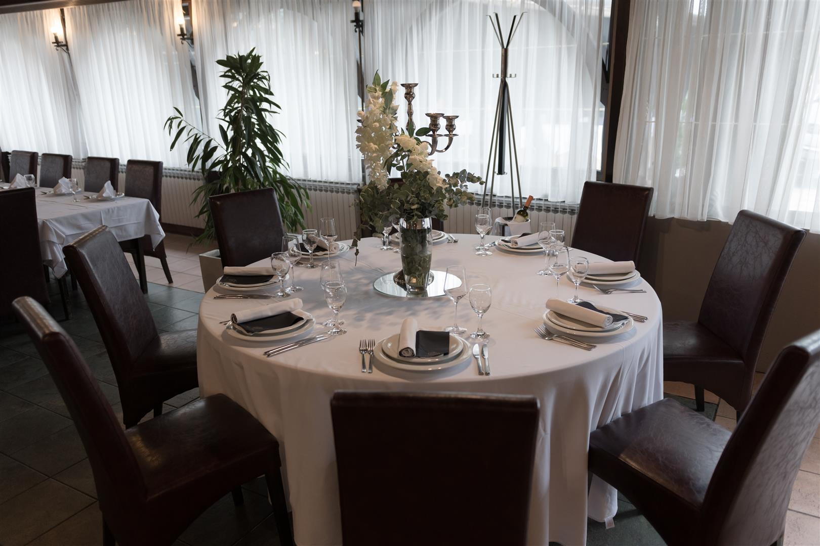 Mali raj - Restoran 23